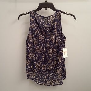 ANA Sleeveless Hi-Low Top in Size Small
